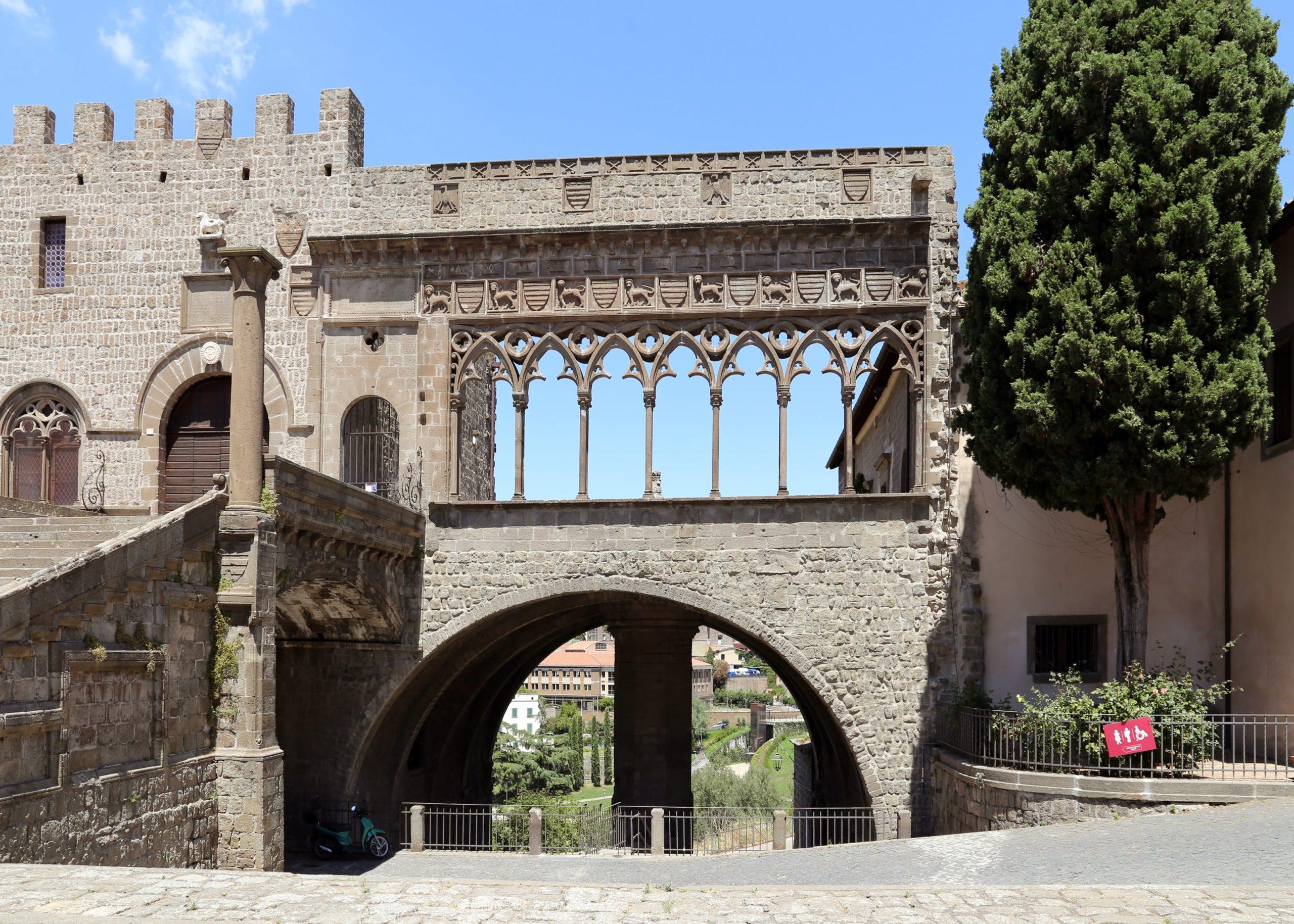 Loggia di Palazzo dei Papi a Viterbo